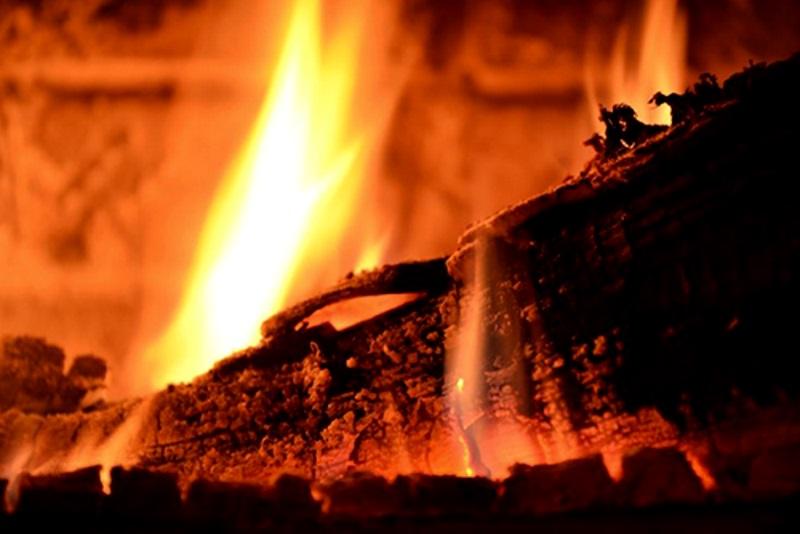 В Рыбнице трое молодых людей едва не сгорели в охваченной огнем бане
