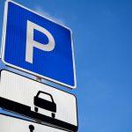 Вступают в силу новые положения о парковке на тротуарах