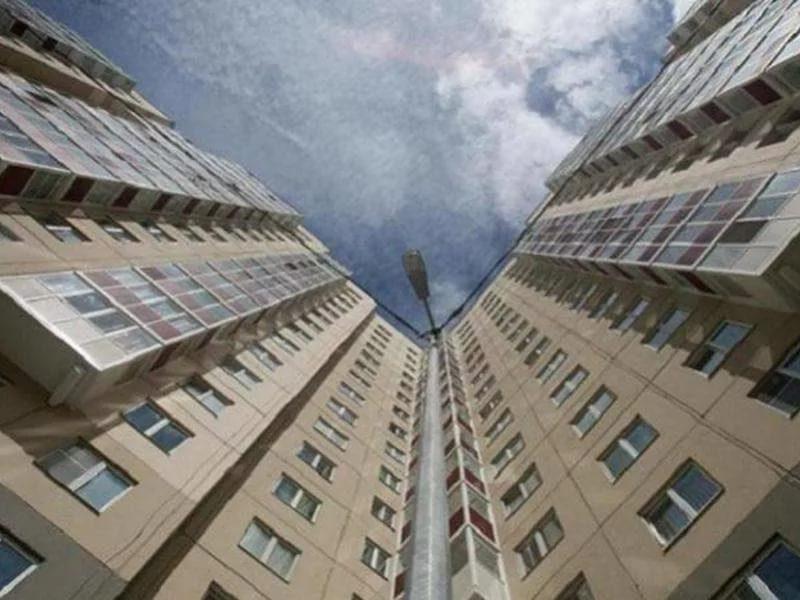 Житель Кишинёва спрыгнул с пятого этажа и находится в коме