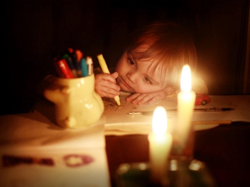 Некоторые жители Хынчешт и Яловен останутся в субботу без света