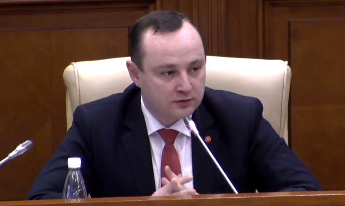 Батрынча – Канду: Подайте в отставку, вы не представляете народ РМ (ВИДЕО)