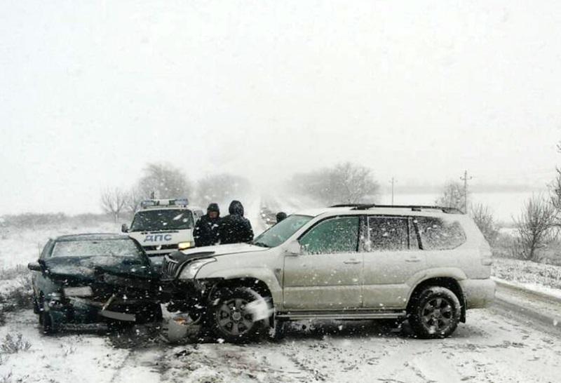Гололедица спровоцировала 16 ДТП в Приднестровье: авто получили существенные повреждения (ФОТО)
