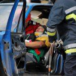 В Хынчештах микроавтобус столкнулся с грузовиком: двое людей скончались