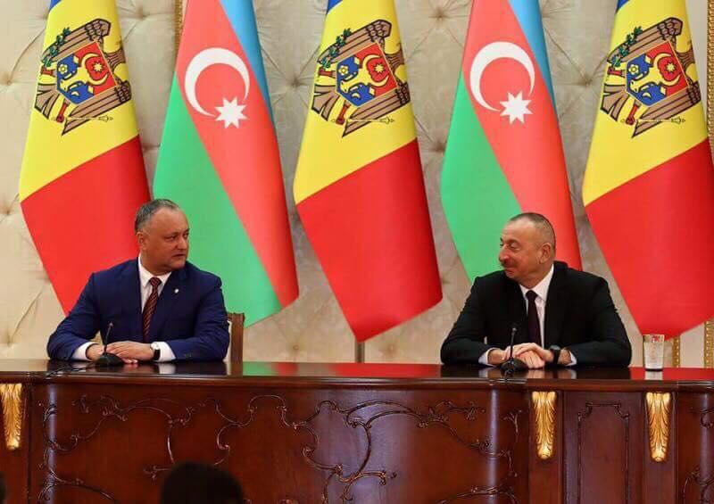 Додон поздравил с днем рождения президента Азербайджана