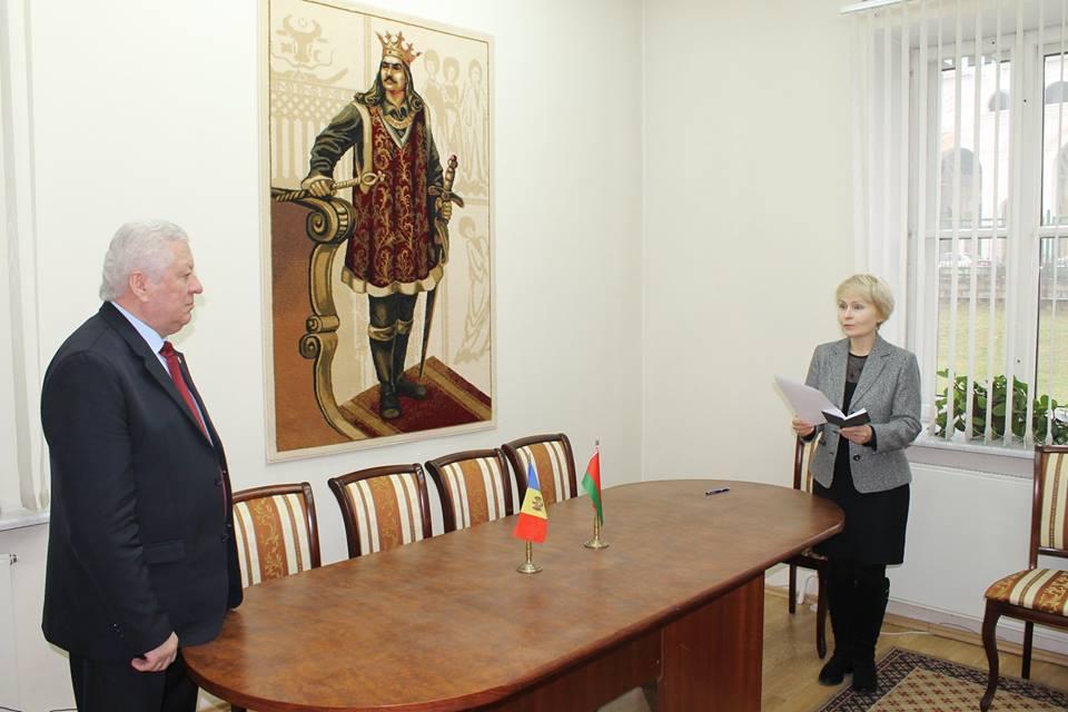 Трое жителей Беларуси впервые за последние годы получили гражданство Молдовы (ФОТО)