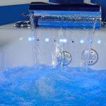 Столичный магазин вынудили вернуть покупательнице 50 тысяч леев за дефектную ванну