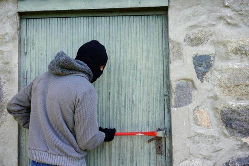 Закрутки на зиму и строительный инструмент стали «добычей» вора из Тирасполя