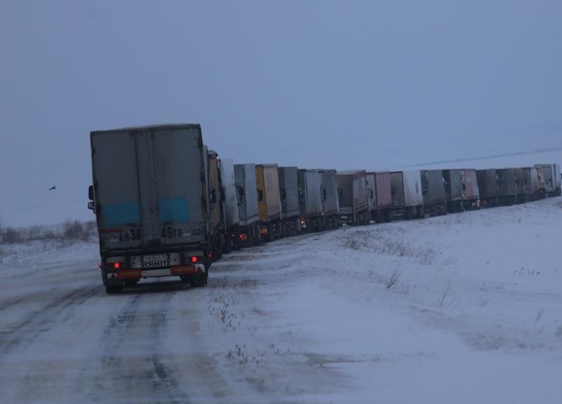 Многие пункты пропуска на молдо-украинской границе приостановили деятельность из-за снегопада