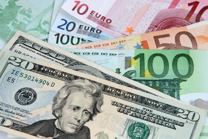 Курс валют в Молдове: евро вновь существенно упал
