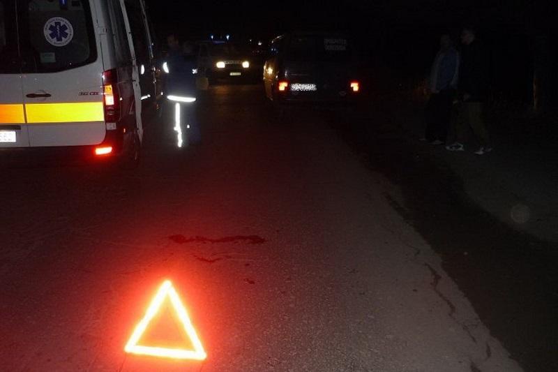 В Каменке пьяный водитель и его пассажир чудом уцелели в перевернувшейся на бок машине