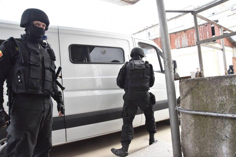 Результаты обысков в МВД: задержаны чиновник и экономический агент