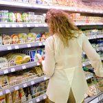 Жители Молдовы продолжают жаловаться на некачественные продукты питания