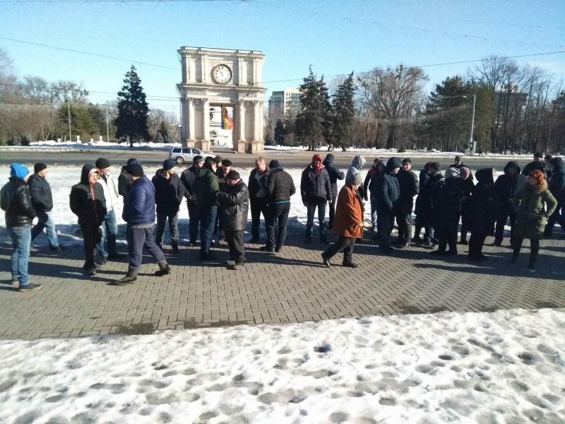 Протест перед правительством: продавцы требуют продления предпринимательских патентов (ФОТО)