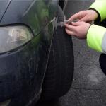 Патрульные инспекторы объявили охоту на автовладельцев с летней резиной (ВИДЕО)