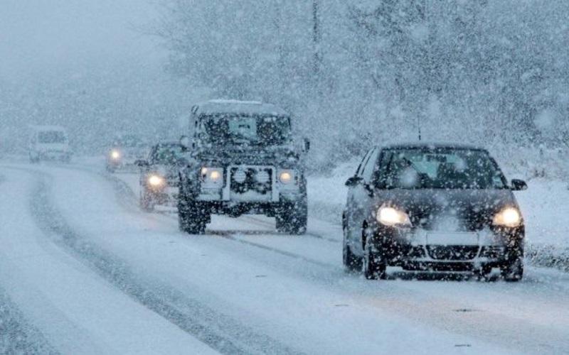 Операцию по спасению машин из снежного плена в Теленештах показали на видео