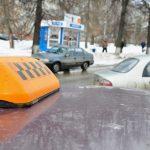 В Кишинёве пассажир не смог расплатиться за поездку и ударил ножом таксиста (ВИДЕО)