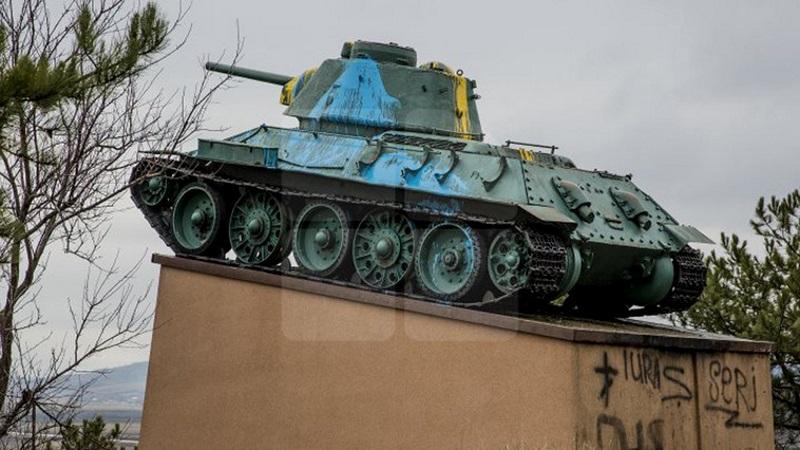 Еще один советский танк в Молдове подвергся акту вандализма