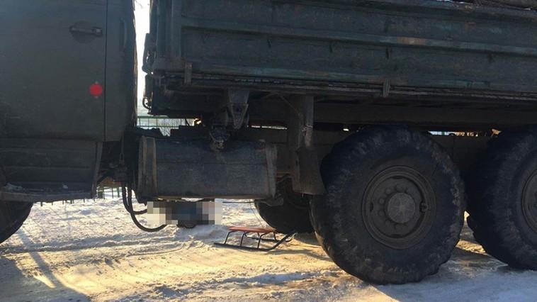 В Каларашском районе ребенок погиб, попав на санках под грузовик (ФОТО)