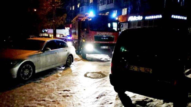 Пожарные взялись за водителей, блокирующих спецмашинам доступ к жилым домам (ФОТО)