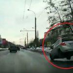 """Автомобиль-""""попрыгунчик"""" на дороге Кишинева насмешил пользователей соцсети (ВИДЕО)"""