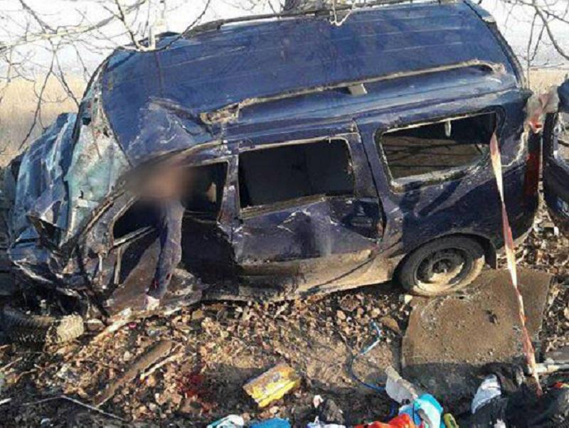 В страшной аварии в Новоаненском районе погибли пять человек (ФОТО)