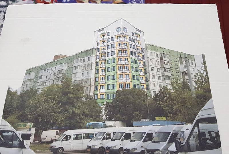 """На Буюканах хотят """"втиснуть"""" между двумя домами очередную новую многоэтажку (ФОТО)"""