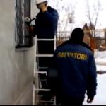 В Бельцах 2-летний малыш оказался заперт один в квартире (ВИДЕО)