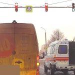 """Пока пациент ждет: в Кишиневе запечатлели """"скорую помощь"""" с елками в кабине (ВИДЕО)"""