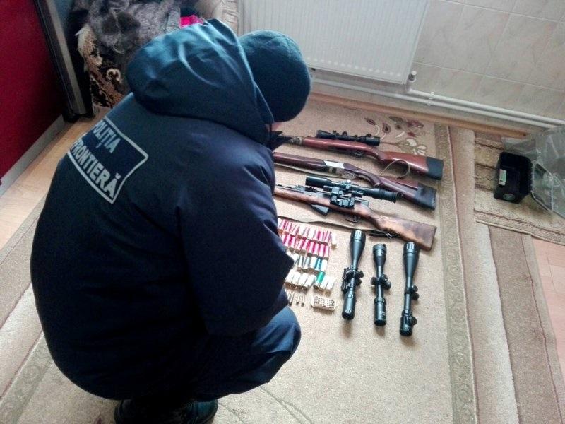 Обыски в Бричанском районе: изъяты боеприпасы и оружие (ВИДЕО, ФОТО)
