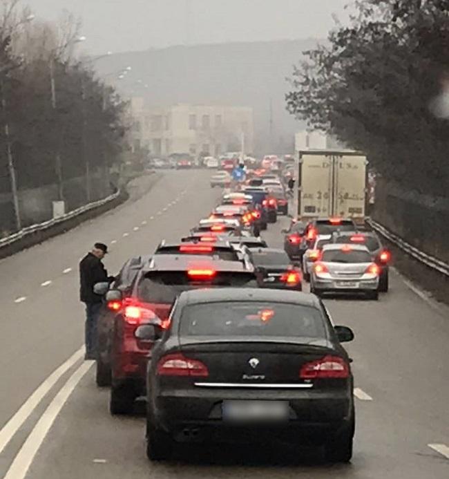 На молдавской границе выстроились километровые пробки
