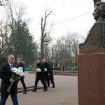 Президент возложил цветы к памятнику Михая Эминеску по случаю дня его рождения (ФОТО+ВИДЕО)