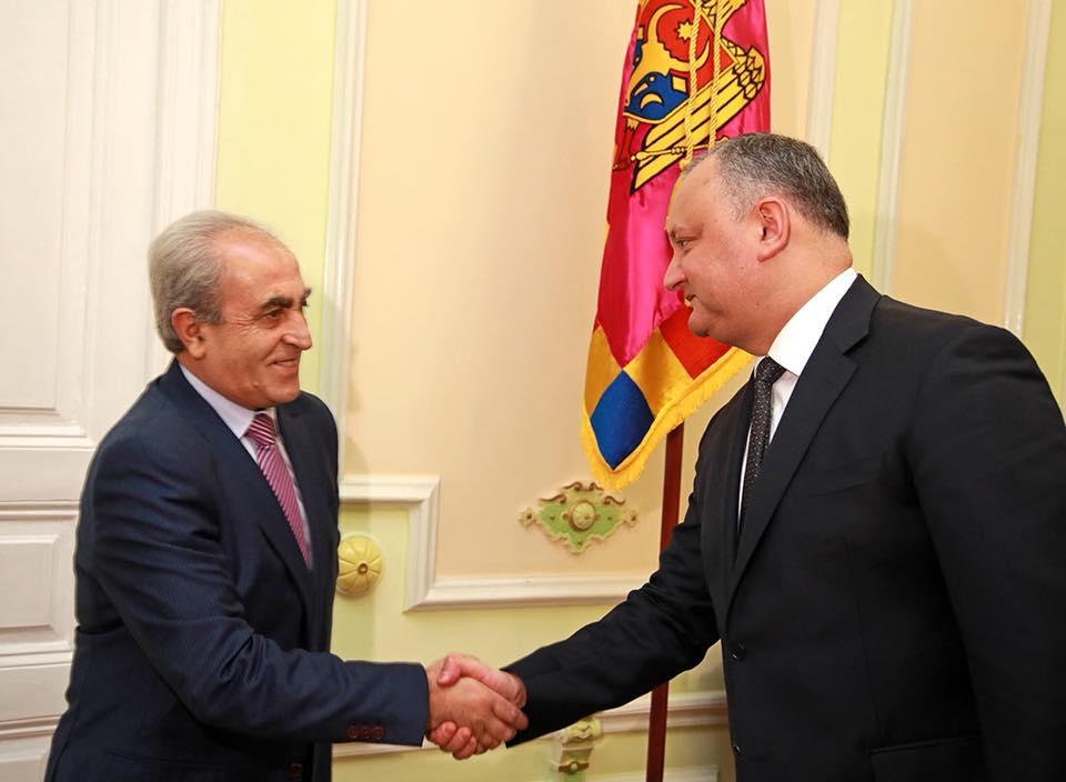 Президента пригласили принять участие, наряду с главами более сотни государств, в саммите Франкофонии