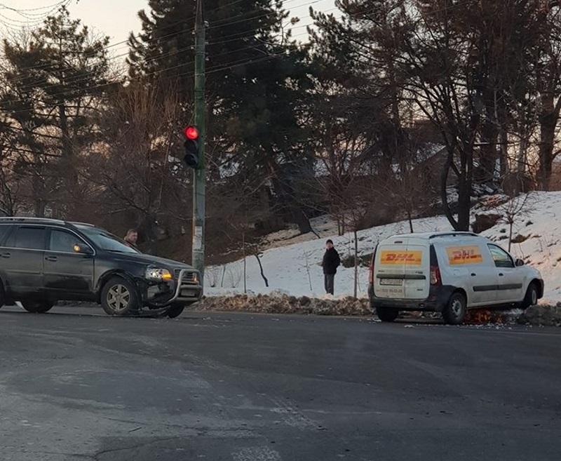 На Рышкановке затруднено движение из-за столкнувшихся авто (ВИДЕО)