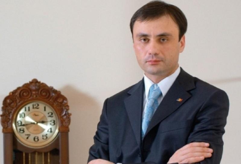 Парламент одобрил отставку Пырлога с должности директора СИБа