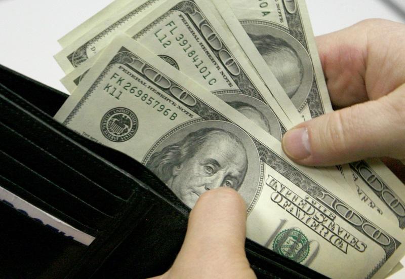 В Приднестровье сожитель внучки похитил у пенсионерки огромную сумму денег