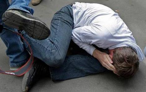 В Каушанах двое в масках жестоко избили мужчину (ВИДЕО)
