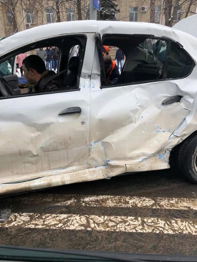 Подробности ДТП с троллейбусом и такси: один человек скончался (ФОТО)