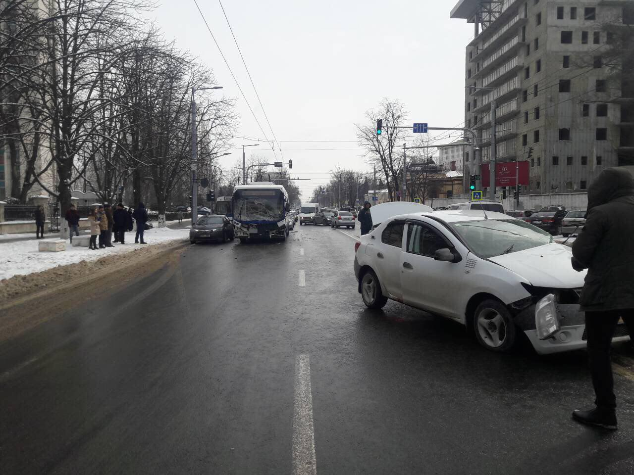СМИ: погибшая в ДТП в Кишиневе женщина – жена сотрудника минпросвета