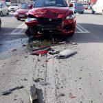 """Автомобиль класса люкс разбили в """"хлам"""" на тест-драйве в Кишиневе (ФОТО)"""
