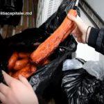 Мясо и колбасы сомнительного происхождения везли в антисанитарных условиях на центральный рынок Кишинева (ВИДЕО)