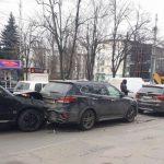 Нетрезвый водитель спровоцировал цепное ДТП в Кишиневе (ФОТО)