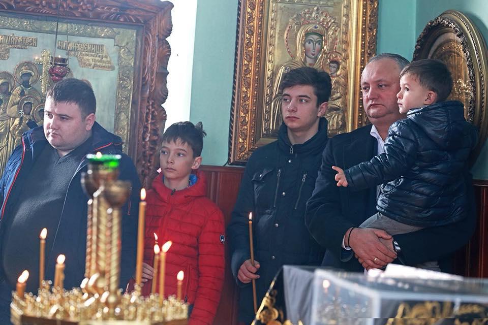 Додон: Наш народ, пройдя через все испытания, сохранит православную веру