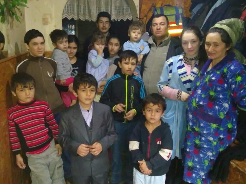 Галина и Игорь Додон решили помочь нуждающейся семье из Штефан-Водэ