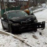Водитель BMW врезался в остановку общественного транспорта в Дурлештах (ВИДЕО)