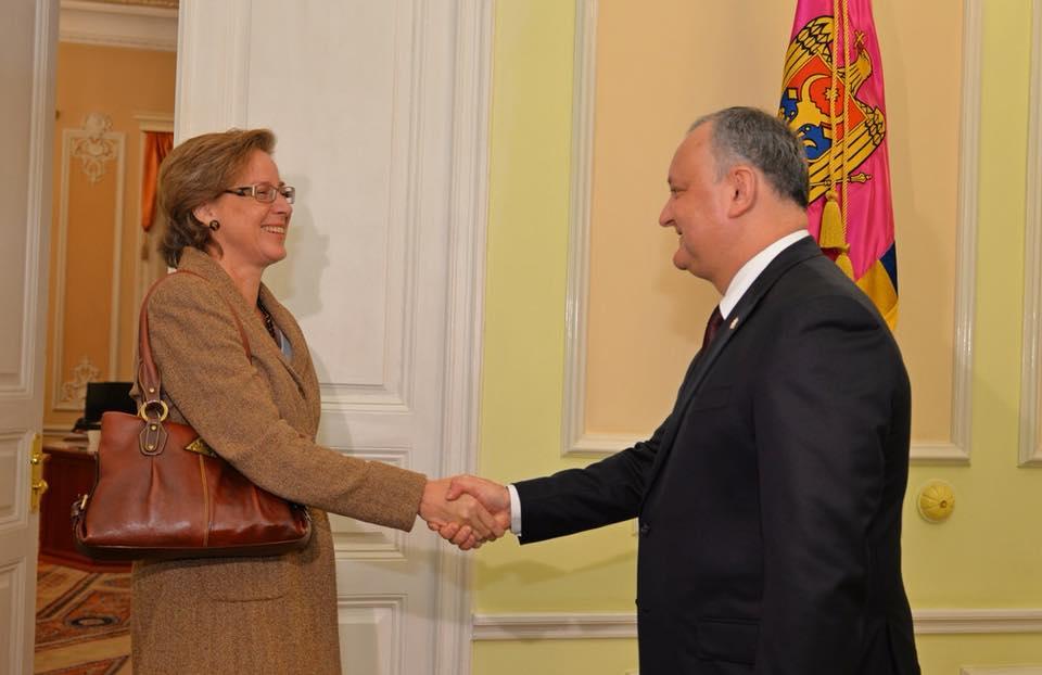Додон обсудил свой предстоящий визит в Берлин с послом Германии