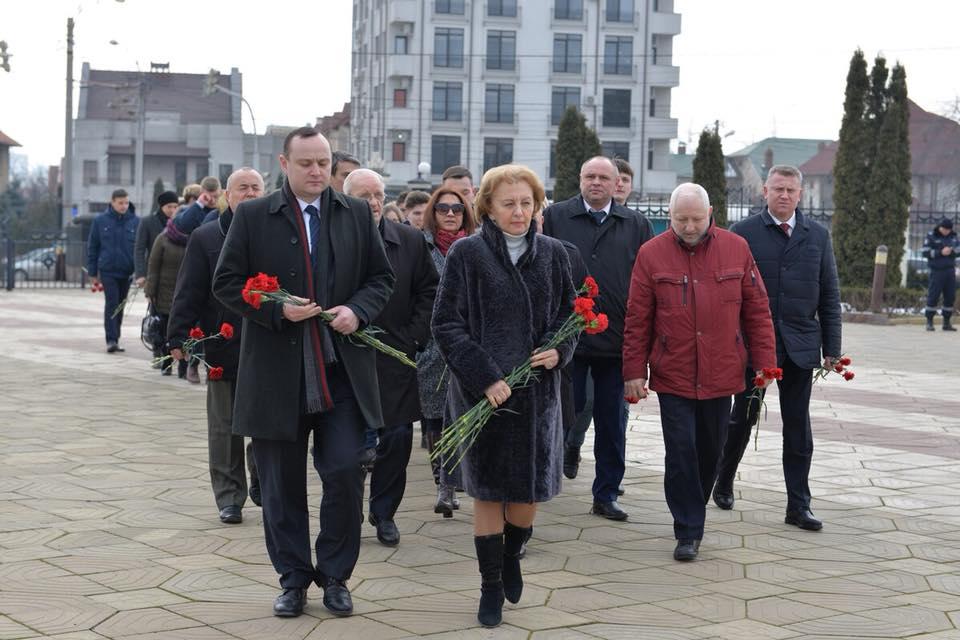 Социалисты почтили память погибших защитников Отечества (ФОТО)