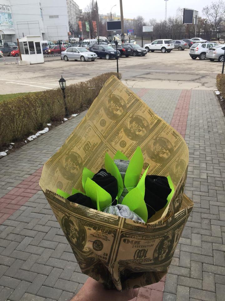 Молдавские полицейские похвастали необычным подарком на 23 февраля от своих коллег (ФОТО)