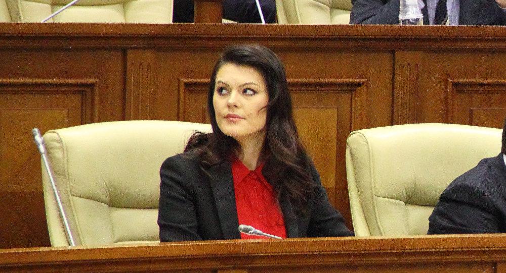 Зотя назвала дебилами всех русскоговорящих жителей Молдовы (ФОТО)