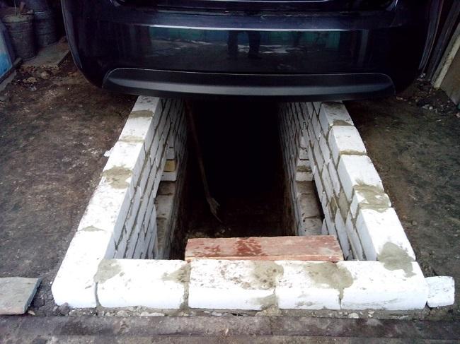 В Гагаузии мужчина скончался в смотровой яме, ремонтируя автомобиль