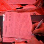 У палаток для сбора подписей за президентскую республику образовались очереди (ФОТО)